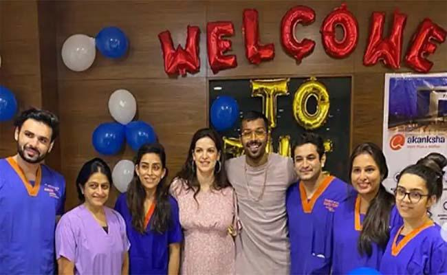 Hardik Pandya Natasa Stankovic Celebrate With Hospital Team In Gujarat - Sakshi