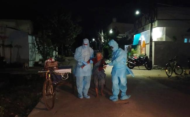 COVID 19 Wife And Husband Escape From Quarantine in Guntur - Sakshi