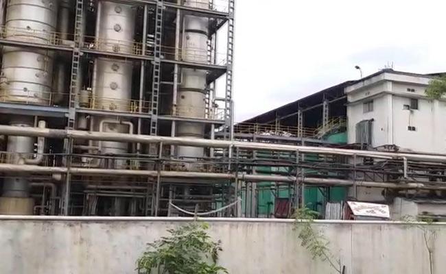 One Deceased When Boiler Exploded At Nandyal SPY Agro Factory - Sakshi