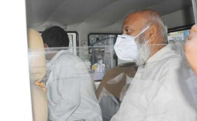Police Arrested JC Prabhakar Reddy And Filed SC ST Atrocity Case - Sakshi