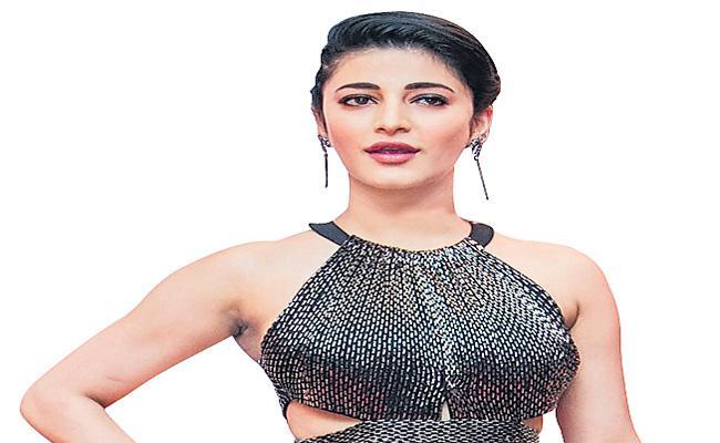 Shruti Haasan releases her music video - Sakshi