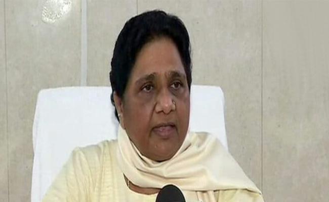 Mayawati Attacks SP Over Lord Parshuram Statue - Sakshi
