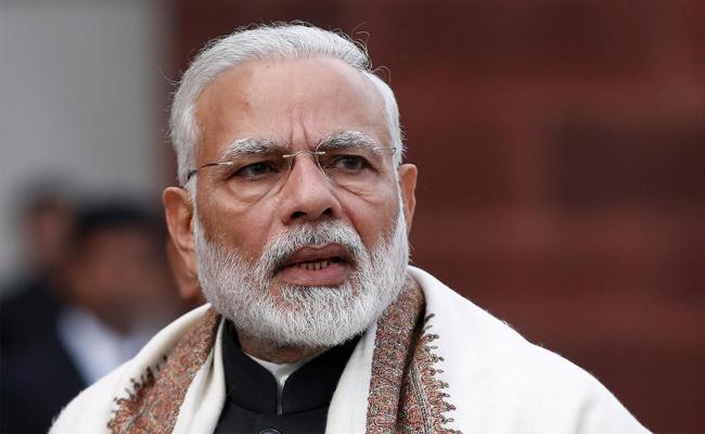PM Narendra Modi remains popular leader - Sakshi