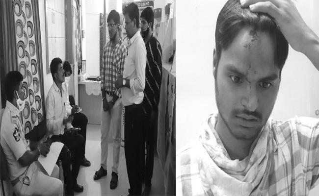 Robbery In Manappuram Gold Finance At Anantapur - Sakshi