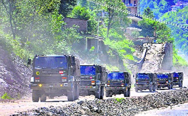 India-China Clash At Pangong Lake In Eastern Ladakh - Sakshi