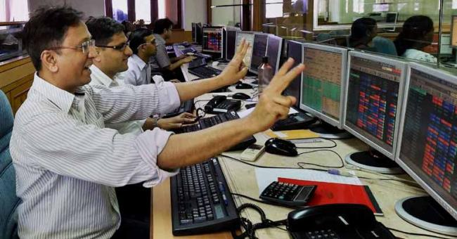 RIL push- Sensex high jump- Banks zoom - Sakshi