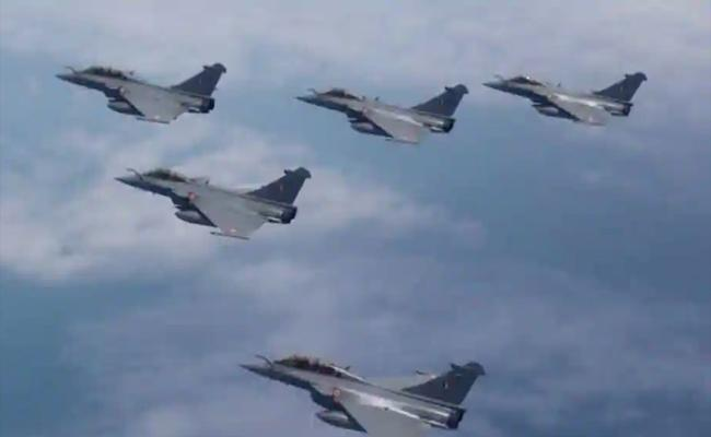 5 Rafale Fighter Jets To Be Inducted Into IAF Today - Sakshi
