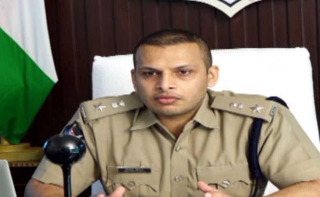 Fake Certificate Gang Arrested In Ongole - Sakshi