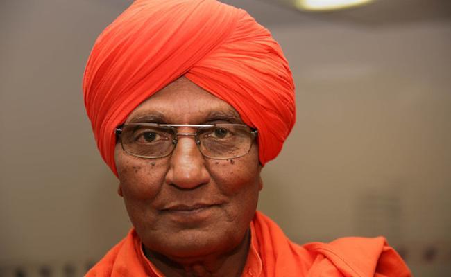 Social activist Swami Agnivesh pass away - Sakshi