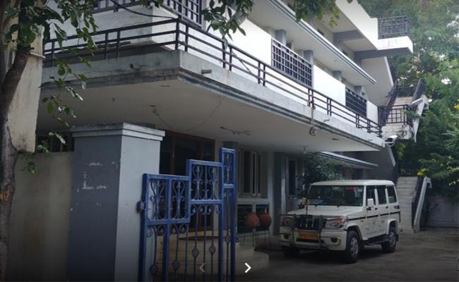 Disputes Between Employees In Civil Supplies Office - Sakshi