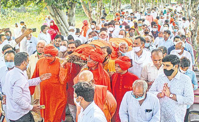 Funeral social activist Swami Agnivesh - Sakshi
