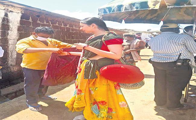 Rakul Preet Singh and Vaishnav Tej movie in Vikarabad - Sakshi