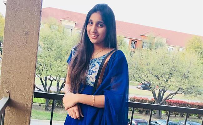 Telugu Girl Polavarapu Kamala dies Bald River Falls while taking selfie - Sakshi