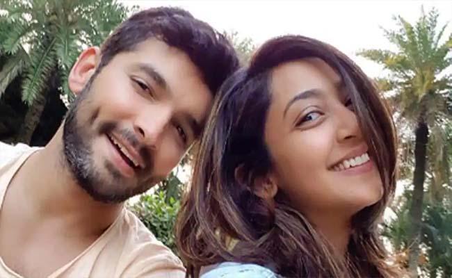 Kannada Actor Couple Diganth And Aindrita Ray Interrogated CCB - Sakshi