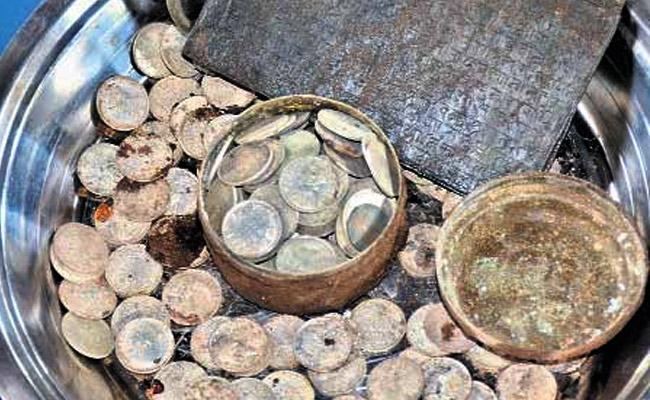 245 Ancient Silver Coins Found At Srisailam Temple In Andhra Pradesh - Sakshi