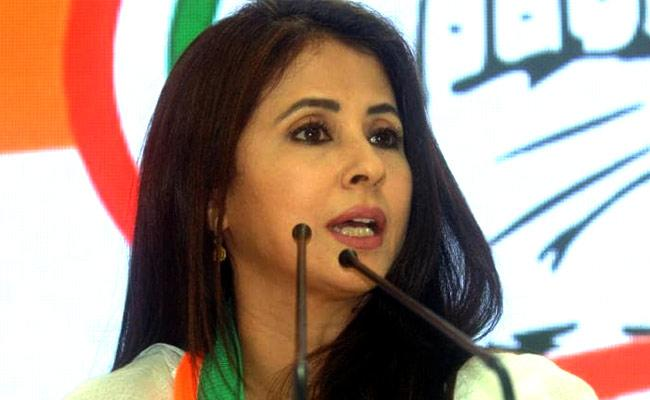 Actress Urmila Matondkar Has Lashed Out At Kangana Ranaut  - Sakshi