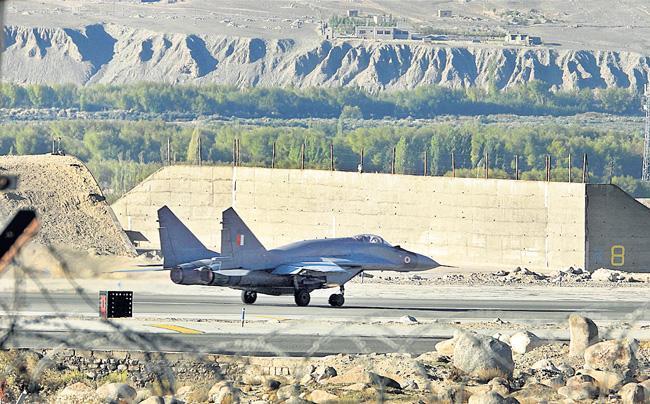 China Fired 100-200 Warning Shots At Pangong In Early September - Sakshi