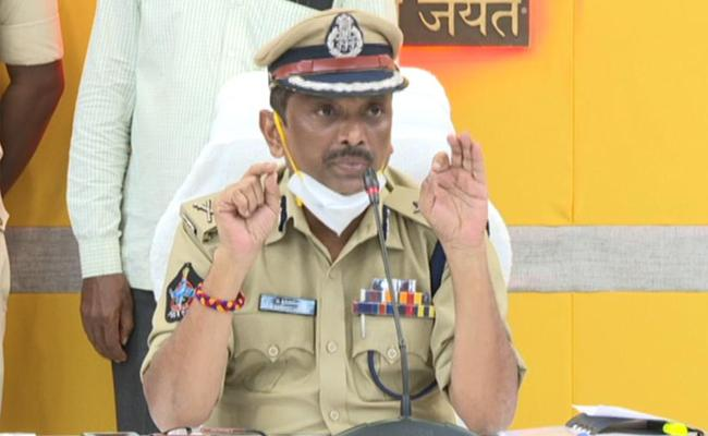 Robbery In DR Muralidhar House Case Police Solved It In 48 Hours - Sakshi