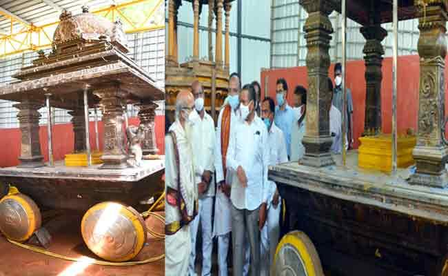 Three Silver Lion Statues On Chariot Of Kanaka Durga Temple Go Missing - Sakshi