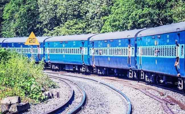 Government To Allow Private Railways To Set Their Own Fares - Sakshi