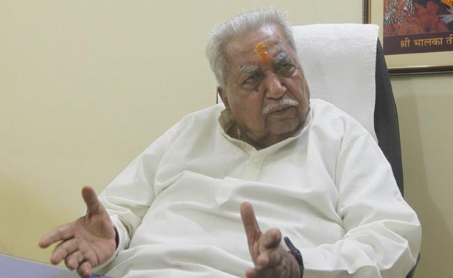 Former Gujarat CM Keshubhai Patel Tests Corona Positive - Sakshi