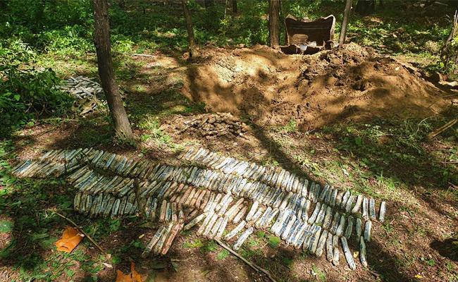 52 Kg Explosives Found Pulwama Type Attack Averted - Sakshi