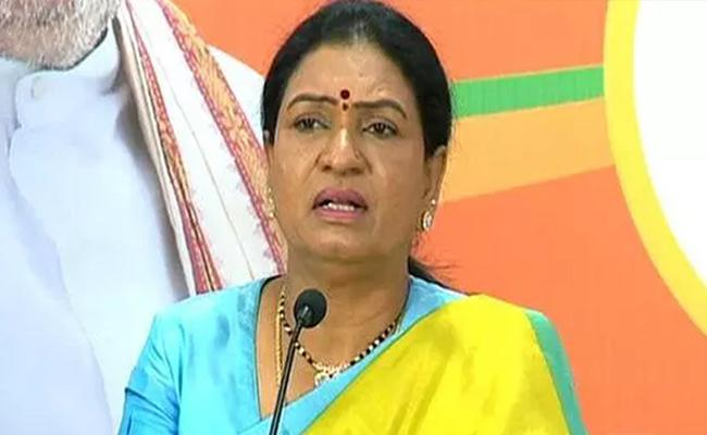 DK Aruna Slams TRS And Congress Over GHMC Elections In Hyderabad - Sakshi
