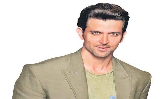 Hrithik Roshan To Be Part Of Rohit Shetty Upcoming Comedy Film - Sakshi
