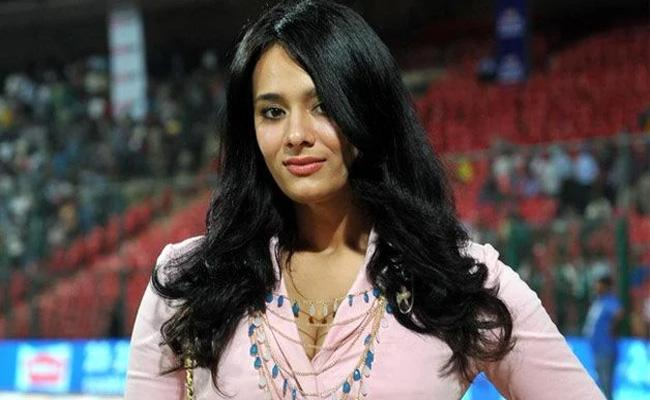 Mayanti Langer And Stuart Binny Blessed With Baby Boy Posts In Twitter - Sakshi