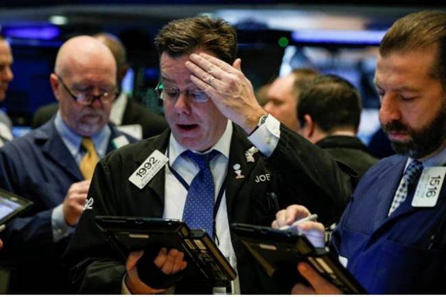 Tech shares down- US Market weaken third week - Sakshi