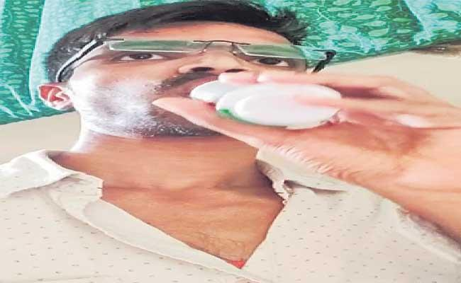 Sampath Kumar Committed Suicide At Miryalaguda - Sakshi