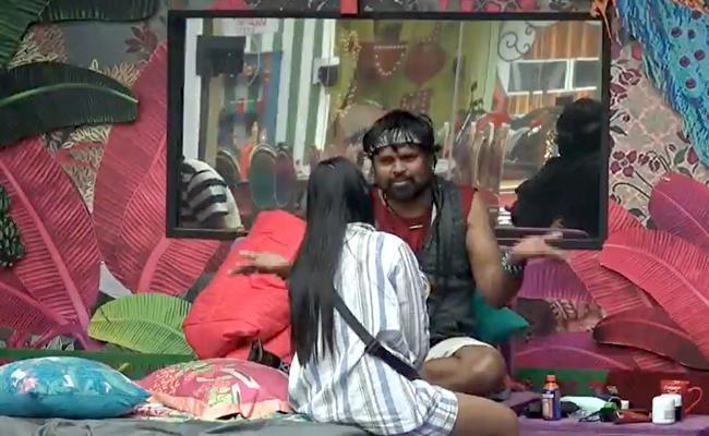 Bigg Boss 4 Telugu: Amma Rajasekhar Furious On Devi - Sakshi