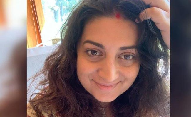 Smriti Irani New Post Says She Is Currently Under Construction - Sakshi