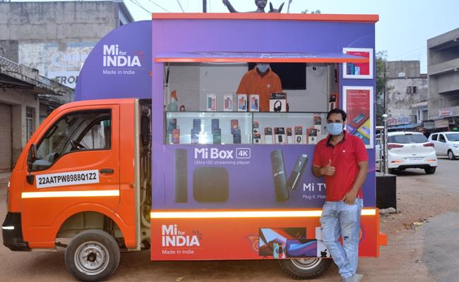 Xiaomi Travelling Store To Sell Phones In Street Fairs Weekly Markets - Sakshi
