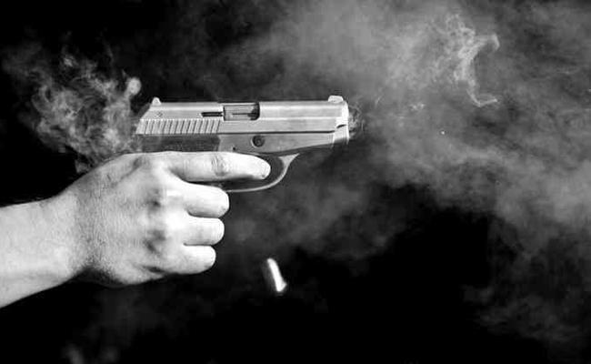 Delhi Retired Navy officer shot dead - Sakshi