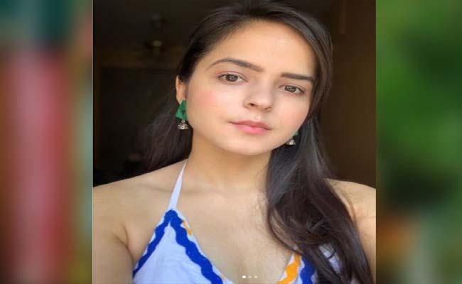 Palak Sidhwani Warns Haters Stop Using Her Photos For Memes - Sakshi