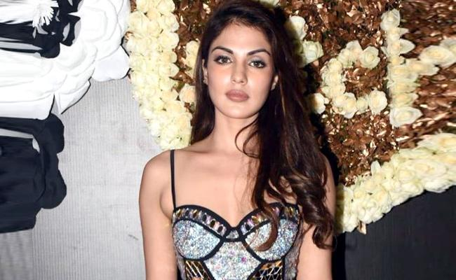 Rhea Chakraborty Lawyer Says She Did Not Name Any Actor Drugs Case - Sakshi