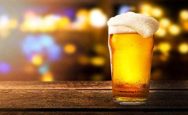Study Reveals Young Beer Drinkers Willing For Non Alcoholic - Sakshi
