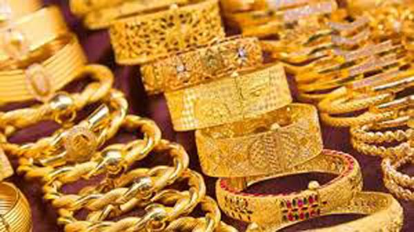 Gold And Silver Prices In India Continued Their Fall Today - Sakshi