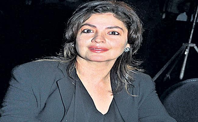 Pooja Bhatt pens note on combating alcoholism - Sakshi