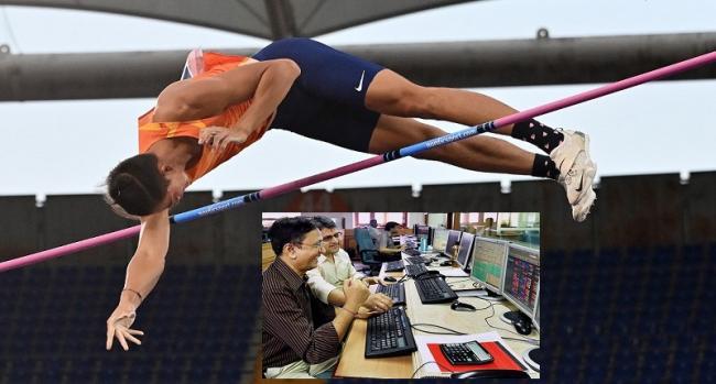 Market pole vault- Sensex 835 points jumps  - Sakshi