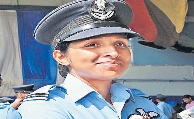 Special Story About Flight Lieutenant Shivangi Singh - Sakshi