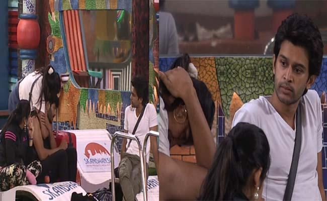Bigg Boss 4 Telugu: Monal Gives Back Hug To Noel Shocked Abhijeet - Sakshi