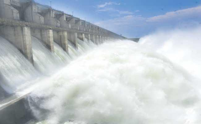 Water Flow Increased For Sriram Sagar Project - Sakshi