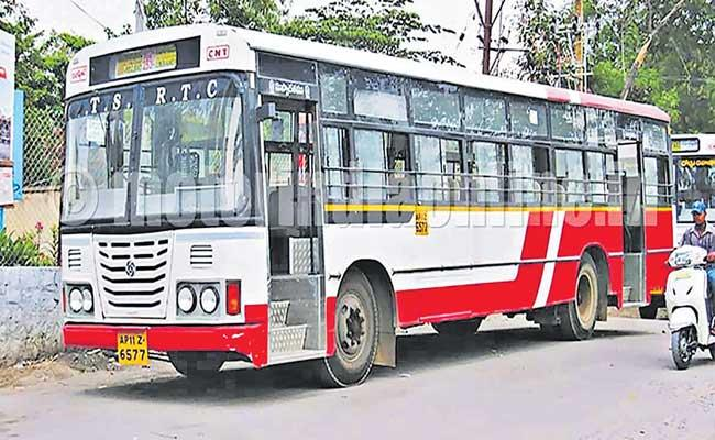 TSRTC Facing Problems With Oil Companies For Not Clearing The Pending Bills - Sakshi