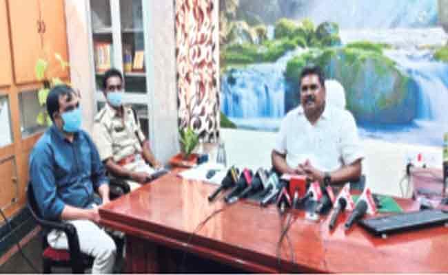 Registration Of Vehicles Fake Records Scam Bigger Than BS4 - Sakshi