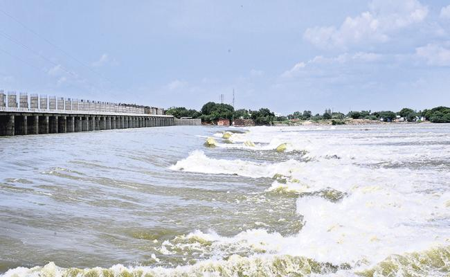 Krishna And Penna River Flow Into the Sea - Sakshi