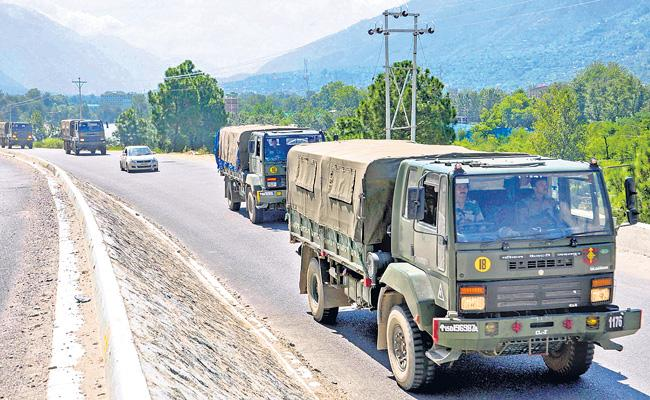 Indian Military moves raise fears of escalation along LAC - Sakshi