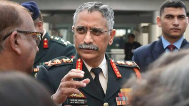 Army Chief Reaches Ladakh Amid India China Tensions - Sakshi