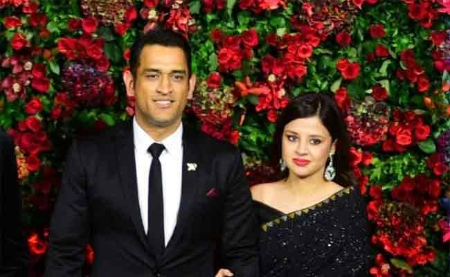 Dhoni Set His Eyes On Entertainment After Retiring From Indian Team - Sakshi